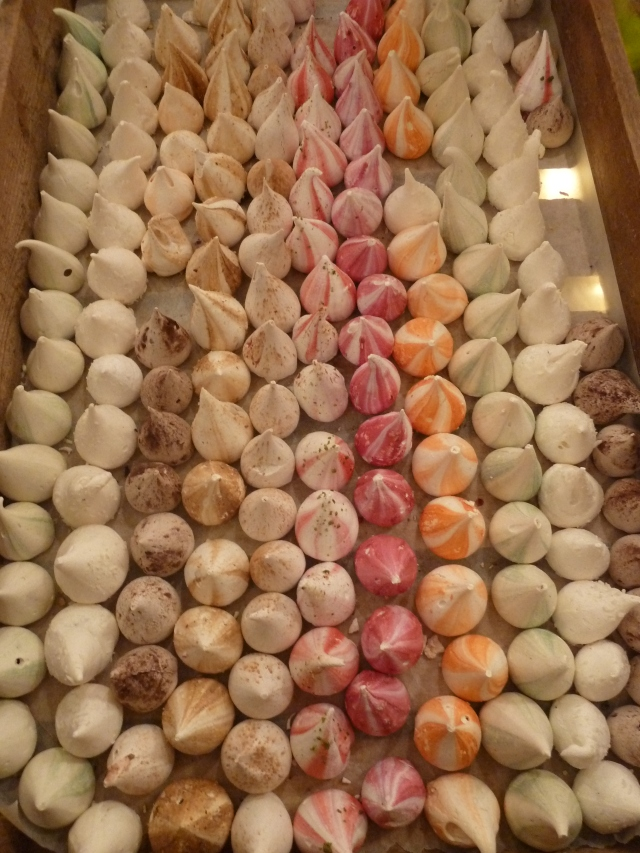 So many meringues