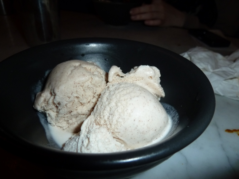 Cinnamon Ice Cream - feeding my cinnamon cravings...