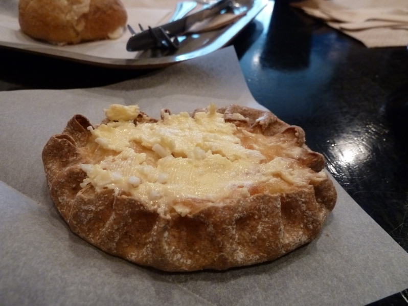 Karelian pie with egg butter
