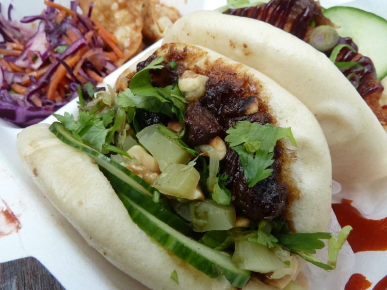 Braised ox cheek bun