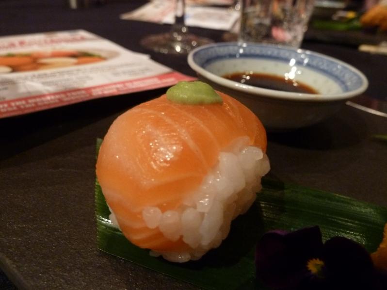Salmon temari
