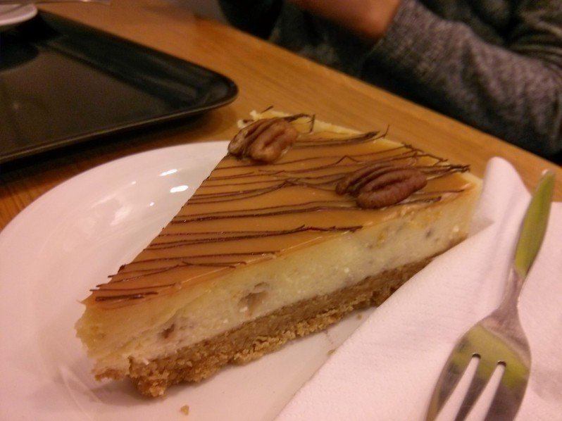 Toffee pecan cheesecake