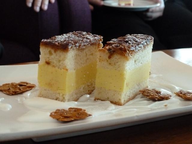 Bavarian 'bee sting' cake
